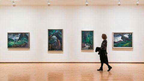 نمایشگاهی از آثار آیدین آغداشلو، مسعود عربشاهی و ۳۰ هنرمند دیگر لینک : https://asarart.ir/Atelier?p=9722 👇 سایت : AsarArt.ir/Atelier اینستاگرام : instagram.com/AsarArtAtelier تلگرام :  @AsarArtAtelier 👆